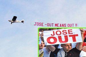 Thua West Ham, CĐV M.U thuê máy bay căng biểu ngữ 'tống cổ' Mourinho