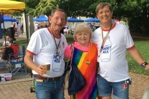 Câu chuyện về cụ bà 78 tuổi sáng tác nhạc cho cộng đồng LGBT