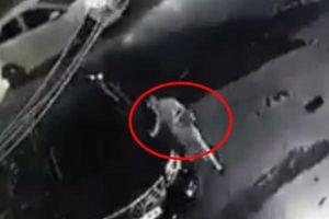 Trích xuất camera truy tìm người phụ nữ sành điệu cào xước xe Camry