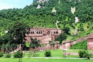 Pháo đài Bhangarh và lời nguyền một đi không bao giờ trở lại
