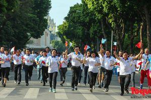 Hàng ngàn VĐV trong và ngoài nước tham gia giải chạy Vì hòa bình năm 2018