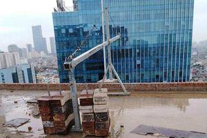 Vụ thanh sắt rơi gây chết người: Nhiều nhà thầu phụ buông lỏng giám sát an toàn lao động