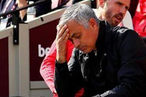 Không dám chê học trò, Mourinho đổ lỗi cho ai khi M.U thua West Ham?