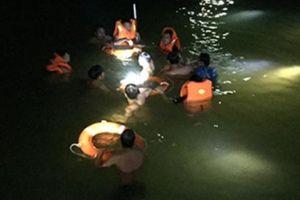 Sa vào vực nước xoáy khi tắm suối, 2 bé trai chết đuối