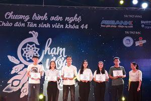 Trường ĐH Kinh tế - ĐH Đà Nẵng: Sôi động chương trình Chào đón tân sinh viên