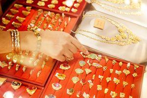 Giá vàng trong nước đang giảm mạnh xuống dưới 36,5 triệu đồng/lượng