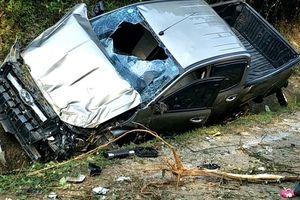 Xe ô tô mất lái trên đường mòn Hồ Chí Minh, 2 người thương vong