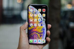 Clip: Bất ngờ với điểm sức mạnh 'khủng khiếp' của iPhone Xs Max