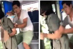 Trung Quốc: Cô gái trẻ nghi bị người đàn ông cưỡng bức trên xe buýt, hành khách chứng kiến thờ ơ