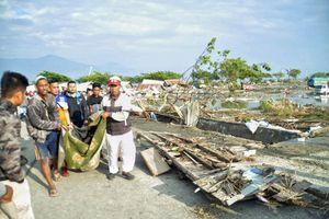 Ánh ảnh kinh hoàng chuyện người dân Indonesia sống sót kể lại sau thảm họa