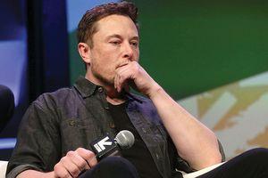 Ủy ban Chứng khoán Mỹ muốn Elon Musk rời khỏi Tesla!