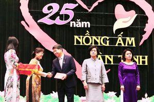 Tổng giám đốc Hanwha Life Việt Nam vinh dự nhận huy hiệu TPHCM