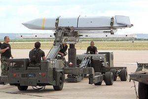 Vì sao Israel phải xin Mỹ bằng được AGM-158 để chống S-300?