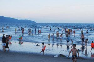 Tắm biển đêm, 2 du khách Trung Quốc thương vong vì đuối nước