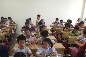Hà Nội: Lùi thời hạn đấu thầu sữa học đường