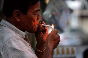 Lời giải nào cho bài toán 'khói thuốc lá'