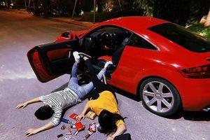 Rộ trào lưu con nhà giàu ngã sấp mặt cạnh siêu xe