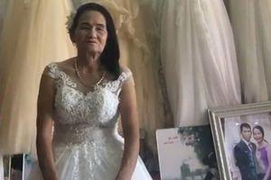 Nghệ An: Cô dâu U70 tuổi thử váy cưới khiến cư dân mạng xôn xao