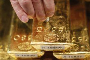 Giá vàng châu Á vẫn chịu sức ép đi xuống