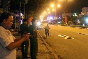 Bắt tạm giam gã chồng truy sát vợ và trai lạ giữa phố