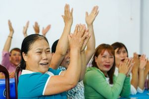 Hàng ngàn phụ nữ tiếp cận cách tiết kiệm nước cực đơn giản