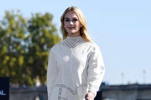 L'Oreal 'chơi lớn' mời nhiều ca sĩ, diễn viên 'khủng' làm người mẫu cho show diễn tại Pháp