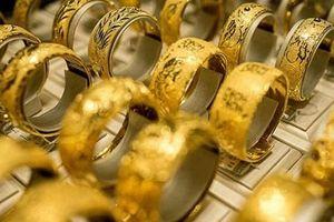 Giá vàng trong nước bất ngờ tăng nhẹ sáng ngày đầu tháng 10