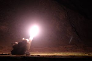 Iran nã tên lửa vào hang ổ khủng bố để trả đũa vụ tấn công đoàn diễu binh