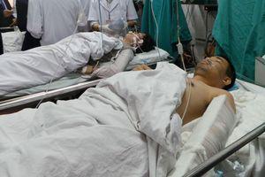 Khẩn cấp bế, cõng nạn nhân tai nạn vào viện sớm nhất có nên không?