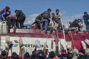 Indonesia: Cướp bóc tràn lan, người người kéo nhau rời Palu