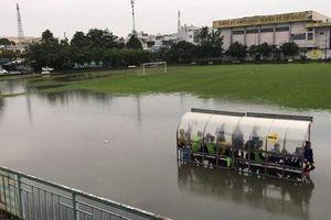 Vòng 12 giải nữ VĐQG: Dời trận Phong Phú Hà Nam - Sơn La vì sân thi đấu như... biển nước