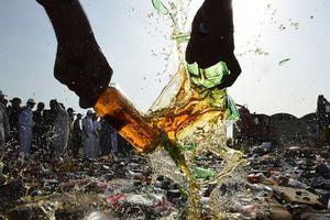 Iran: Ít nhất 42 người chết, hơn 300 người ngộ độc vì rượu bẩn