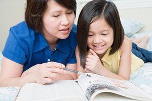 Cách xử trí khi con đọc sách 'cấm'