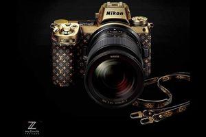 Hé lộ hình ảnh chiếc máy ảnh mạ vàng mà các blogger thời trang nổi tiếng đang mơ ước