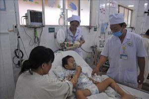Đồng Nai quá tải bệnh nhi sốt xuất huyết, tay chân miệng