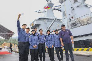 Đà Nẵng: Đón tàu Hải quân Brunei mang tên KDB DARUTTAQWA.