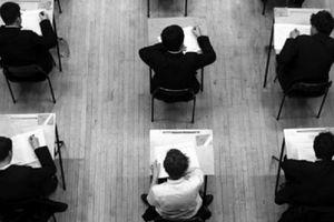 Cô giáo trở thành 'bà trùm' tiếp tay cho tiêu cực