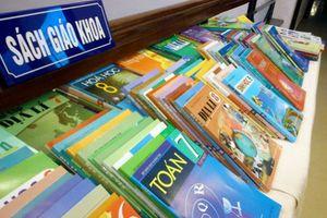Bộ GD-ĐT: Giá sách giáo khoa thấp hơn các loại khác rất nhiều