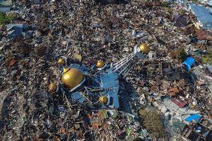 Mặt đất hóa lỏng sau thảm họa kép, dân Indonesia hoảng loạn tháo chạy
