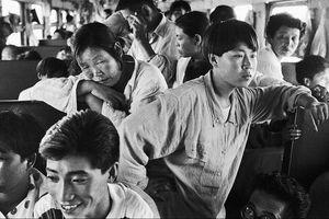 Người đàn ông dành 30 năm chụp hành khách Trung Quốc trên những chuyến tàu