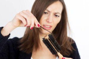 Tìm hiểu 7 nguyên nhân chính gây nên tình trạng rụng tóc ở phụ nữ tuổi trung niên