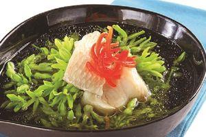 Chữa mất ngủ hiệu quả với canh hoa thiên lý nấu cá diếc