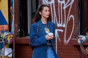 Bella Hadid dạo phố với trang phục vest sành điệu, cá tính