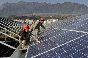 Trung Quốc nâng mục tiêu phát triển năng lượng tái tạo, giảm lệ thuộc than