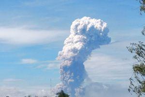 Indonesia: Hết 'thảm họa kép' lại đến núi lửa phun trào