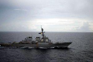 Tàu chiến Mỹ - Trung chạm trán 'không an toàn' trên biển Đông