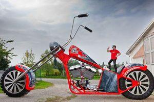 'Choáng' với xe máy khủng nhất thế giới - nặng 5,5 tấn