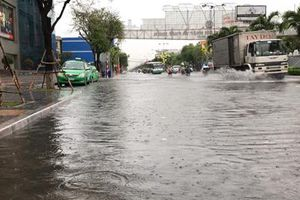 Trung bộ mưa to, Nam bộ nguy cơ ngập lụt diện rộng