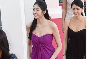 Hoa hậu Hàn Quốc 2018 gây tranh cãi trên thảm đỏ 'Korea Drama Awards'