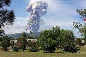 Núi lửa 'tỉnh giấc' sau động đất, sóng thần ở Indonesia
